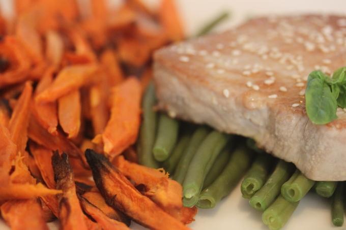 Tuna Steak & Sweet PotatoesFries